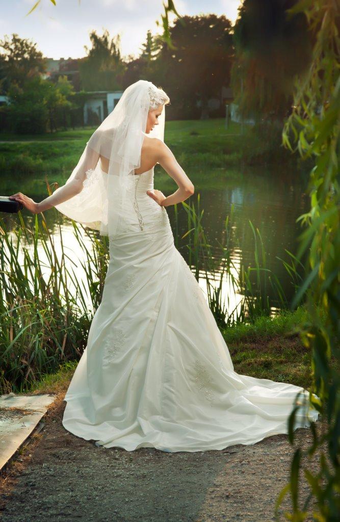 Dessy - Suknie ślubne