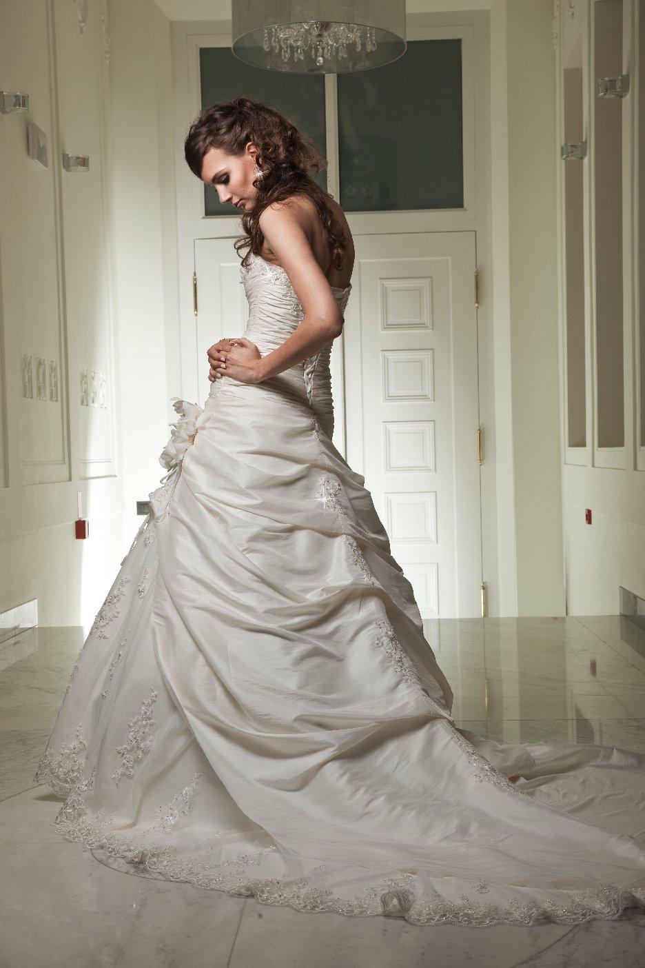Brenda - Suknie ślubne