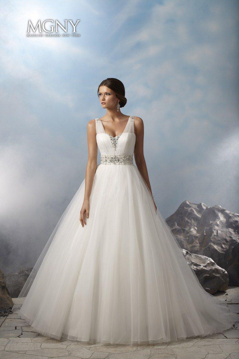 38020 Suknia ślubna Evita