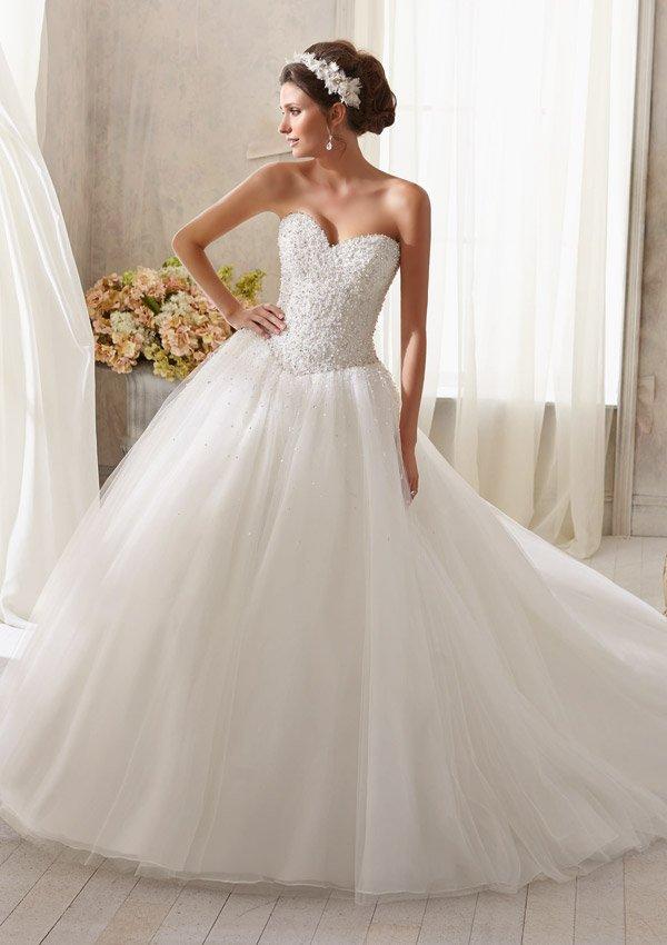 5216 Suknia ślubna Evita