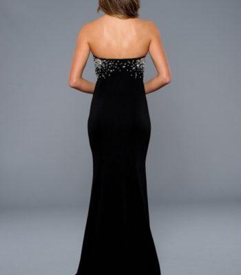 42108 czarna suknia wieczorowa z rozcięciem