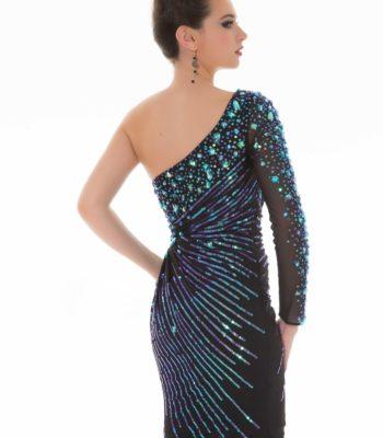 Krótka sukienka z rękawem 85240