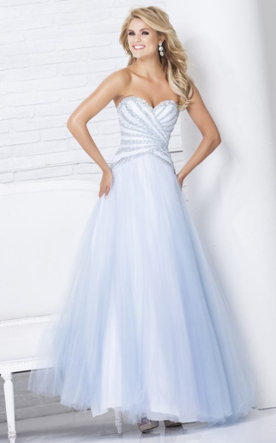 115557 błękitna suknia balowa