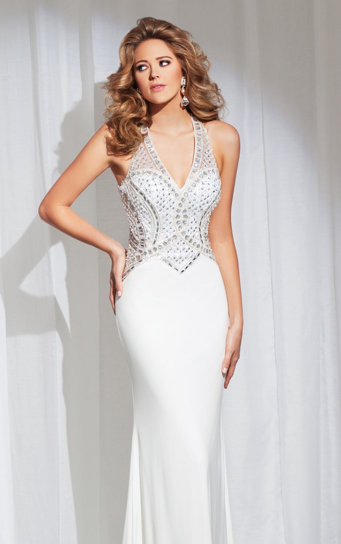 115727 biała, dopasowana suknia wieczorowa - Suknie wieczorowe