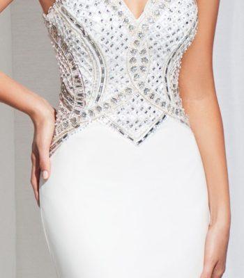 115727 biała, dopasowana suknia wieczorowa