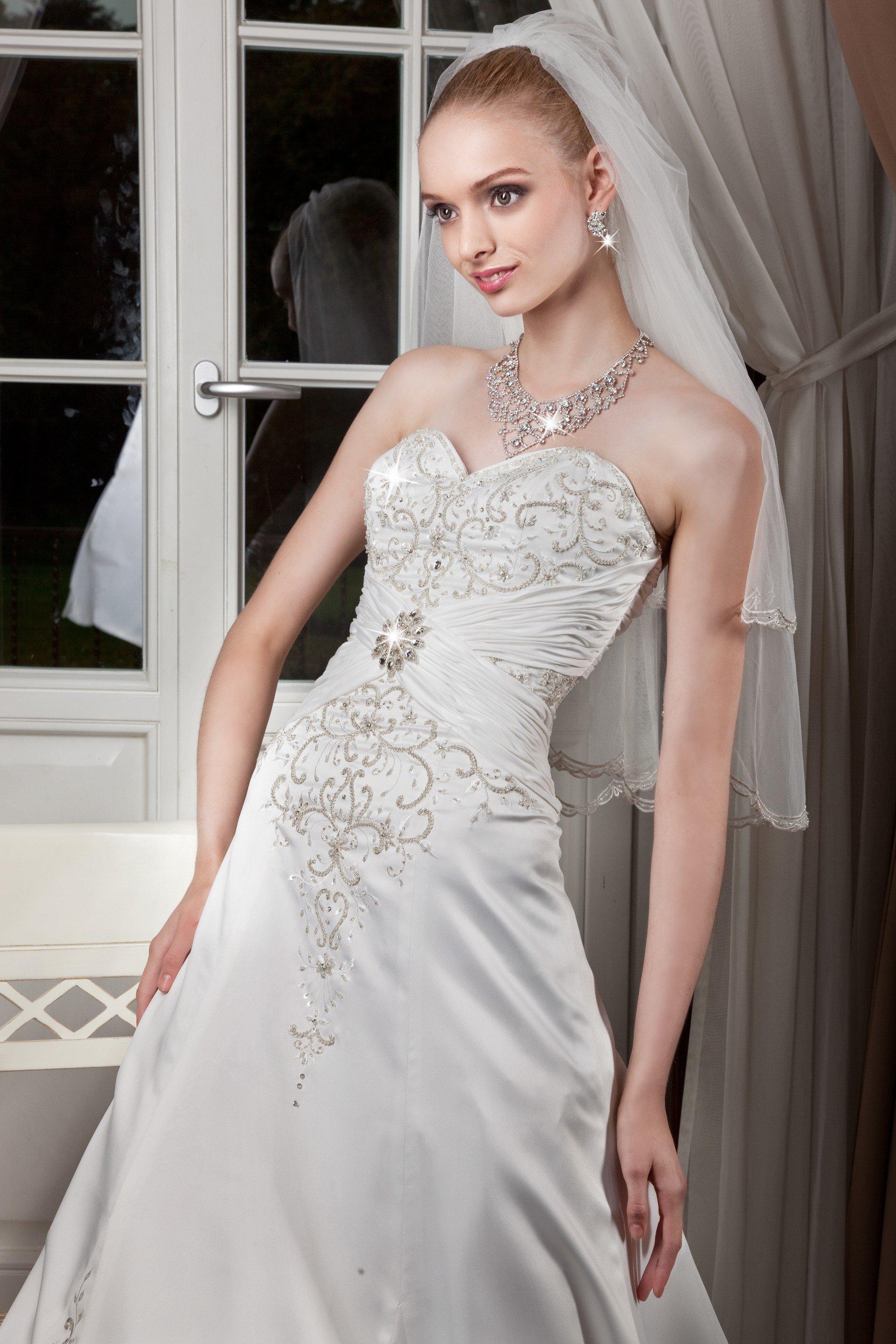 Desdemone suknia ślubna - Suknie ślubne