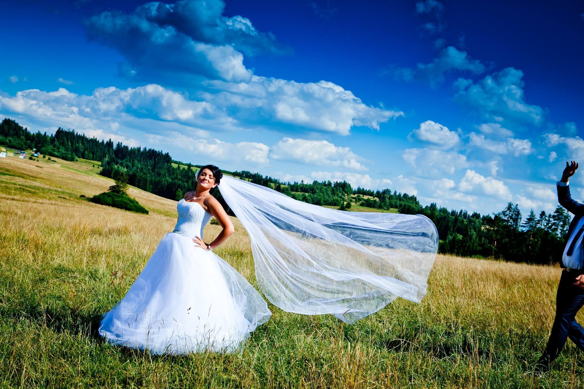 Modne Eleganckie Ekskluzywne Suknie I Sukienki Na Wesele