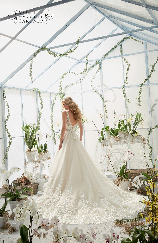 Haftowana suknia ślubna 2821 - Suknie ślubne