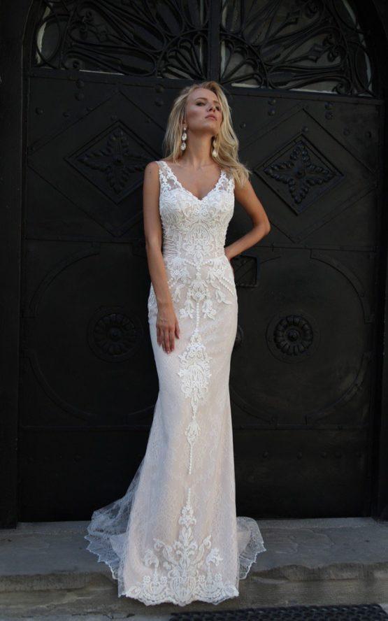 Oksana Mukha model Evita