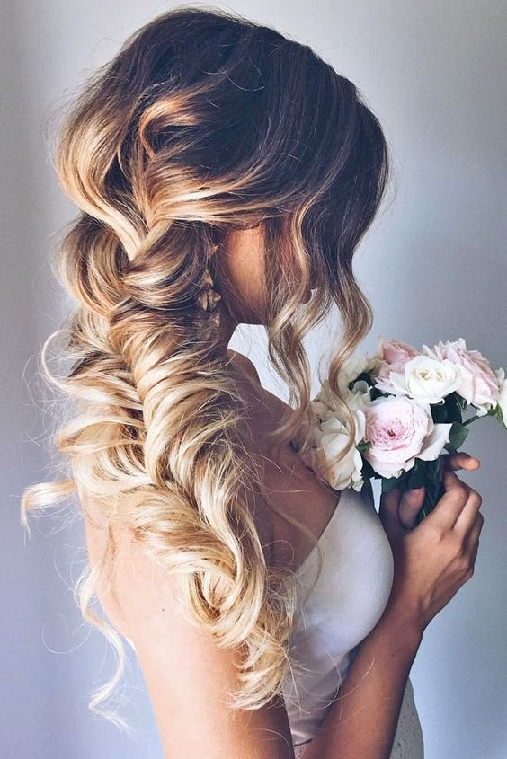32dc1fc98a9840258a6323e59afd9f87--hair-down-styles-wedding-beauty