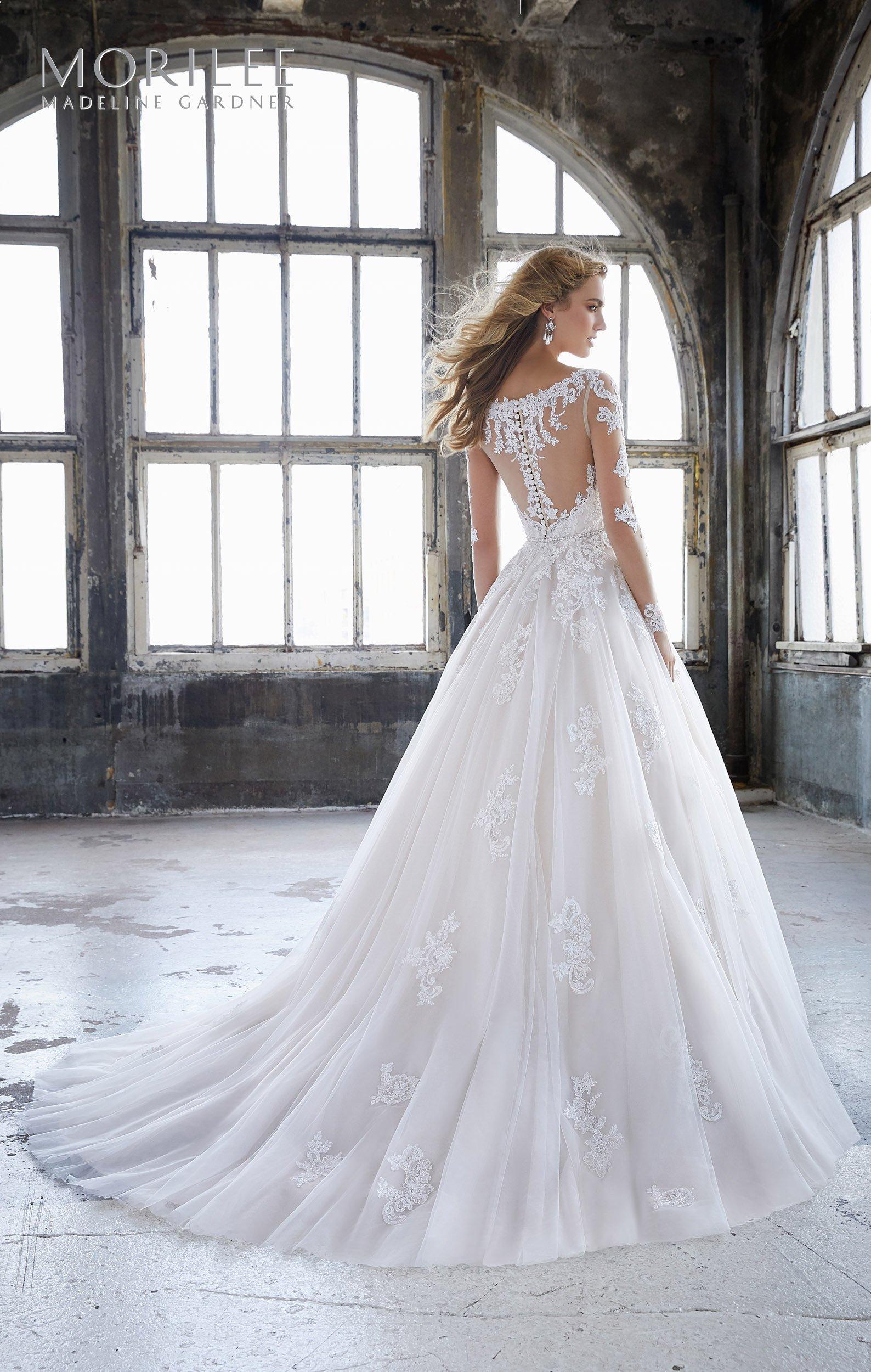 8225 - Suknie ślubne