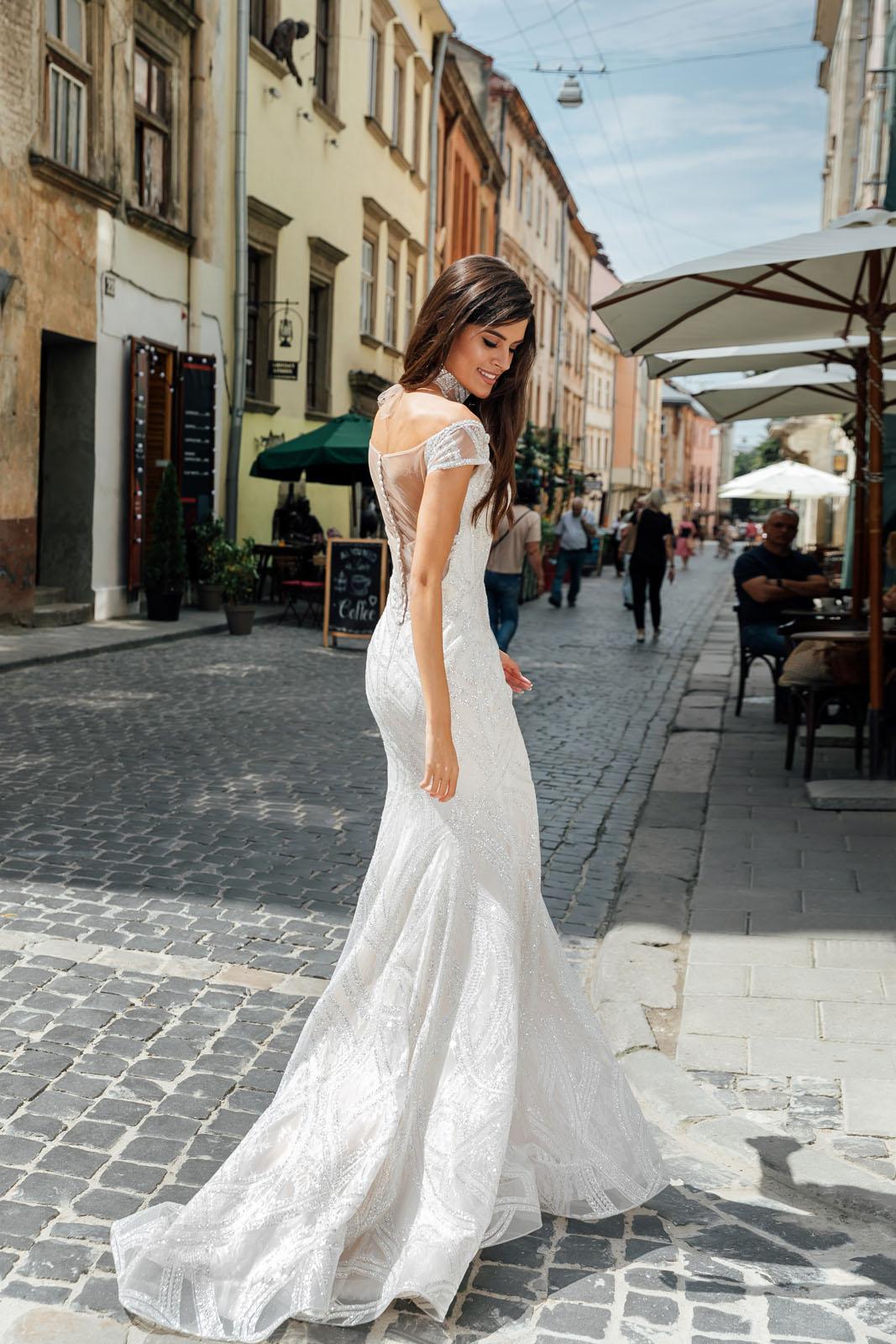 CRISY-Oksana Mukha - Suknie ślubne