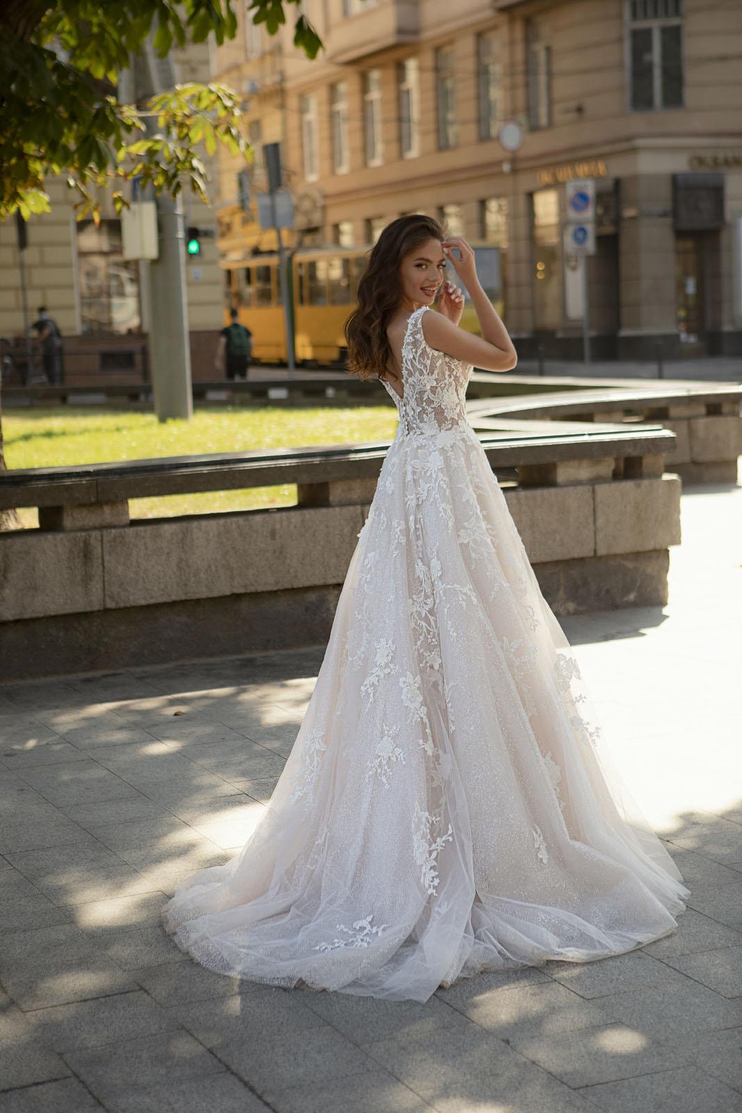 DOLORES-Oksana Mukha - Suknie ślubne