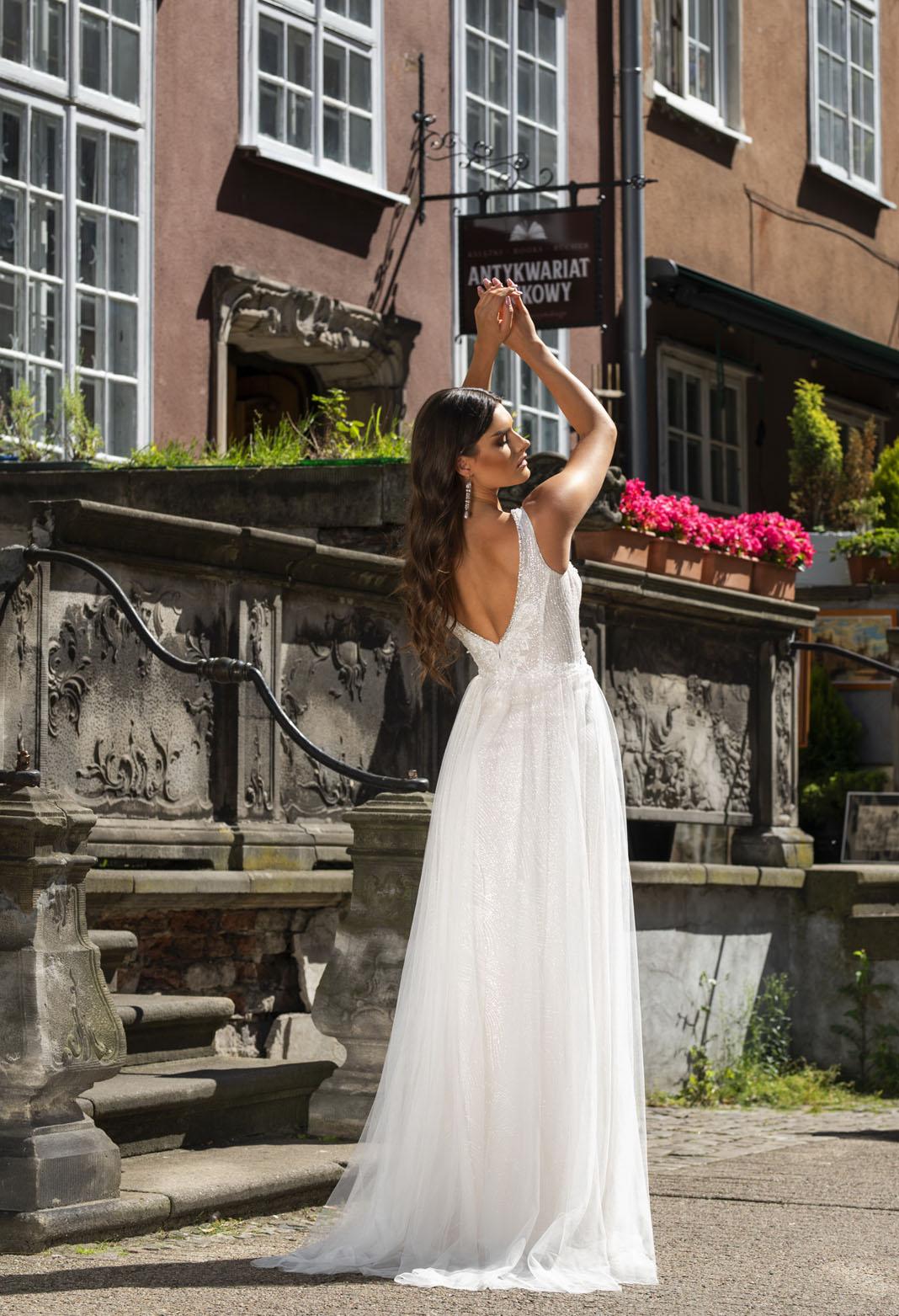 0821 - Suknie ślubne
