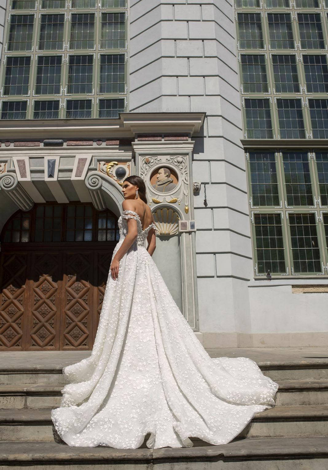1121 - Suknie ślubne