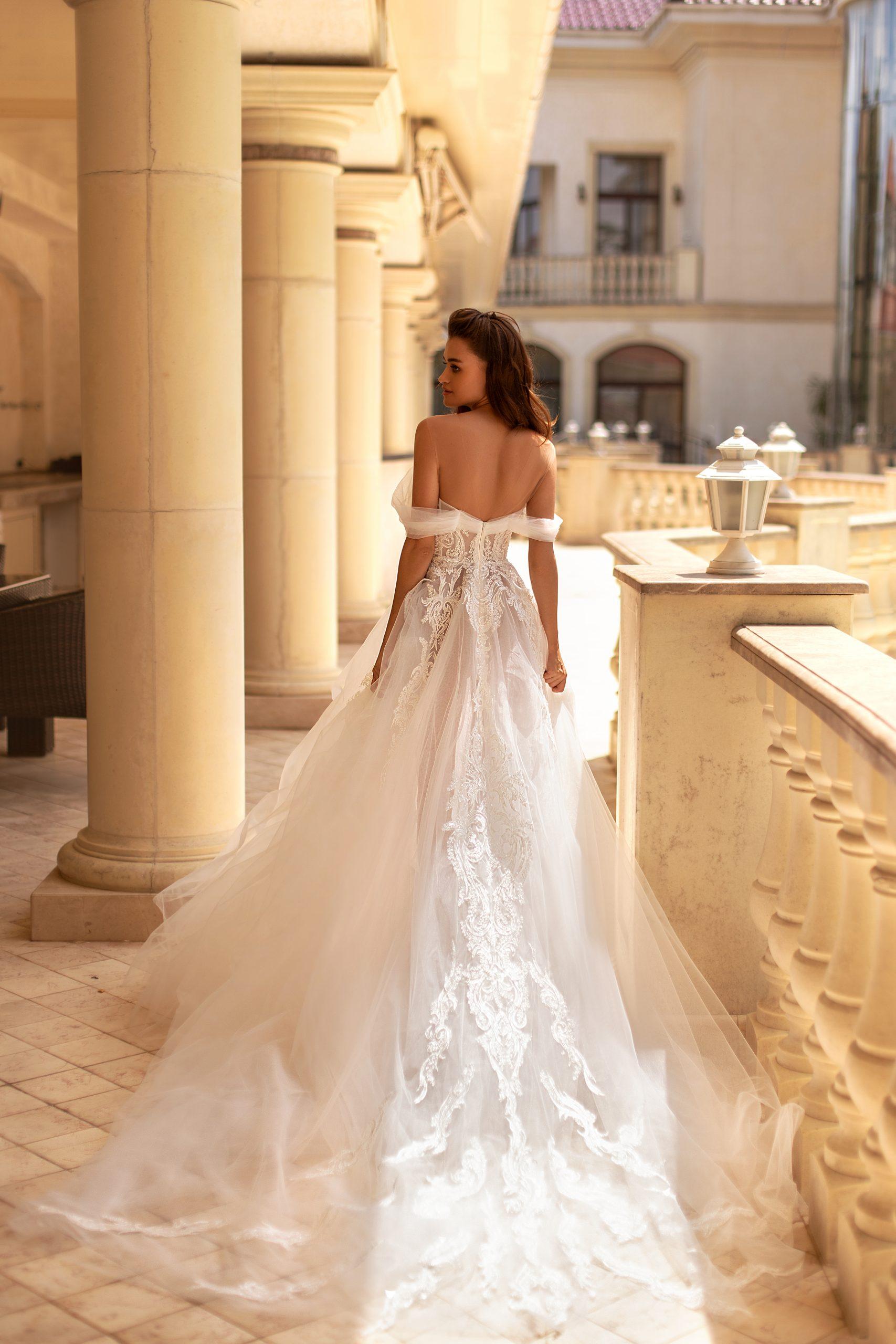 LEAH-Giovanna Alessandro - Fasony